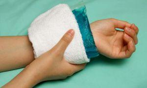 Особенности лечения гигромы суставов народными средствами и медикаментами