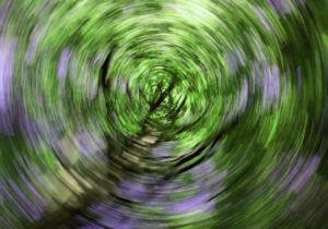 Нарушение равновесия, пространственной ориентации - все это признаки увеличивающейся кисты