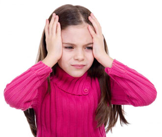 болит голова у маленькой девочки